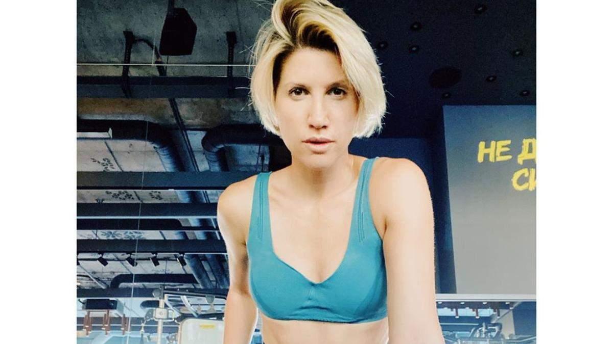Как правильно качать пресс дома: 4 упражнения от Аниты Луценко