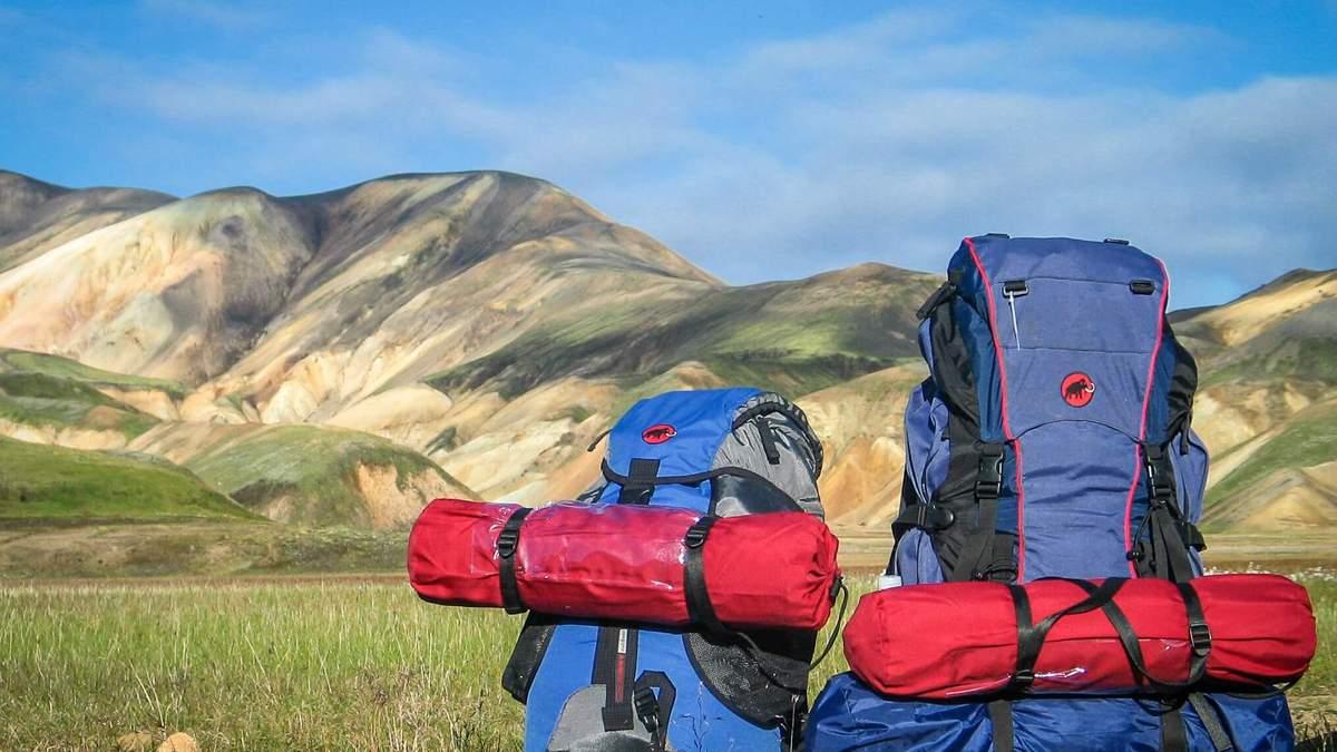 Чому в горах потрібен яскравий одяг