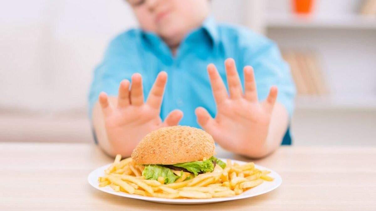Батькам потрібно дбати про вагу дітей змалку
