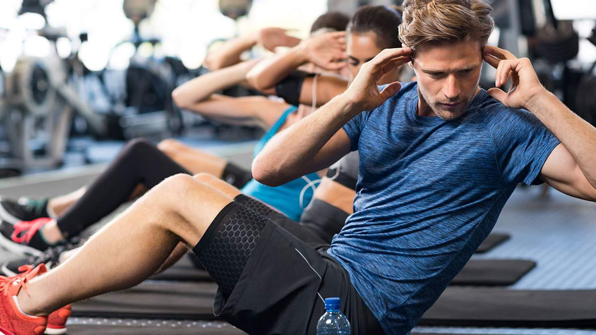 Вправи на прес: ефективне  тренування з фітболом