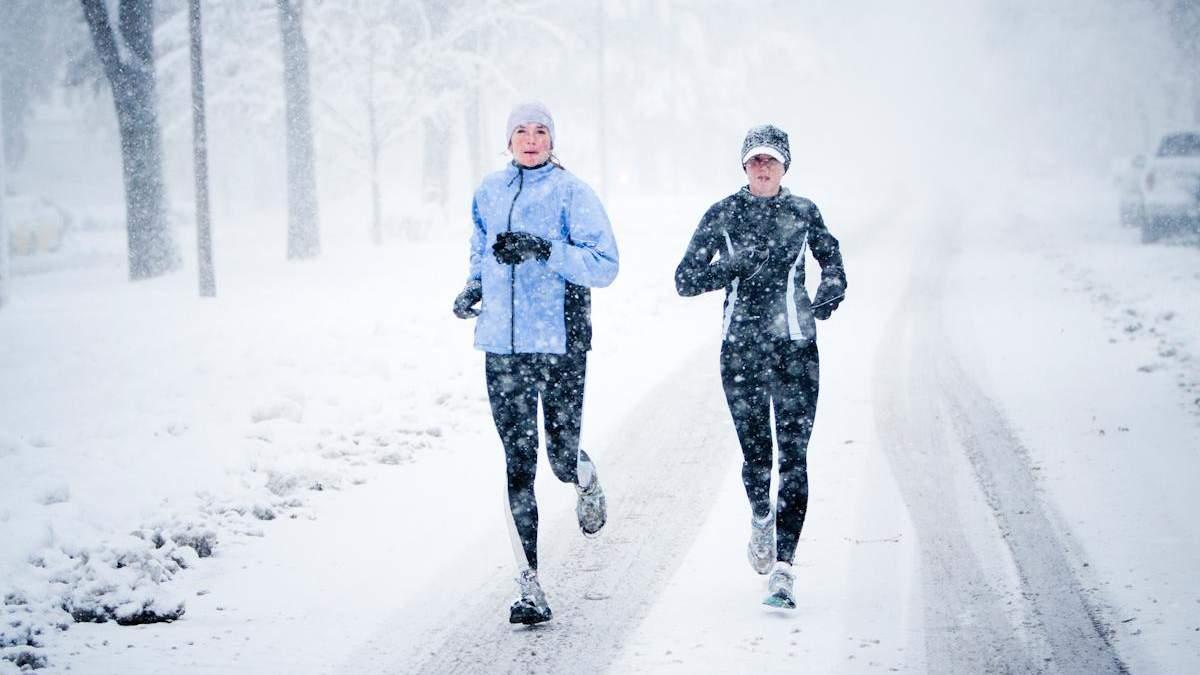 Чи можна бігати взимку: важливі поради з відео
