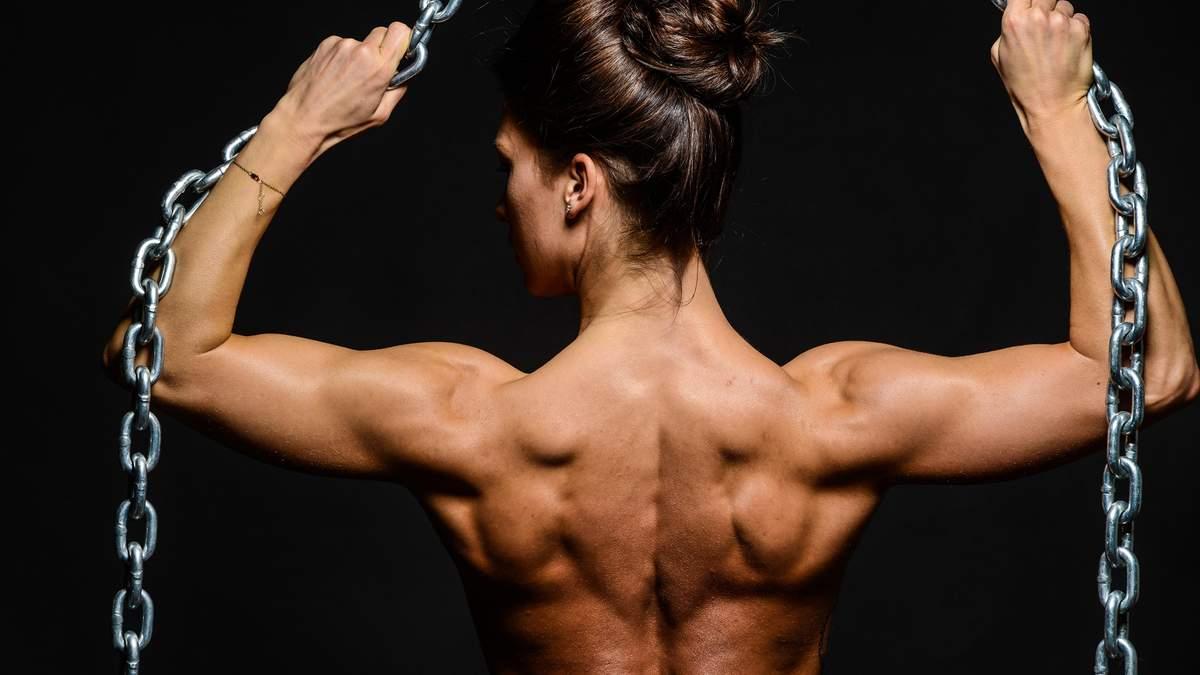 Как прокачать мышцы спины: мастер спорта показала мощную тренировку