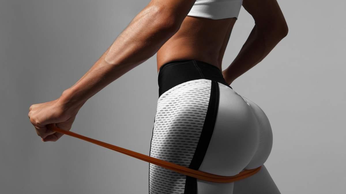 Лучшие упражнения для ягодиц с фитнес-резинкой: видео тренировки