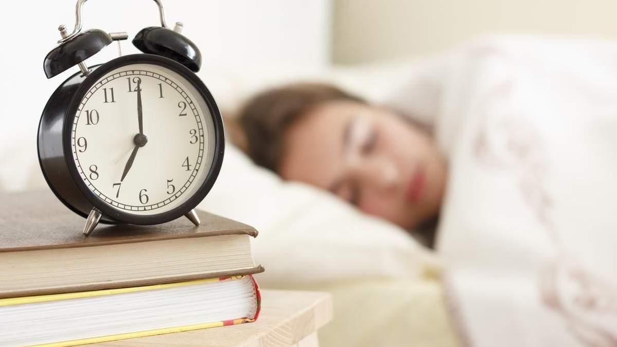 Як швидко заснути і виспатися: названі три правила ефективного сну