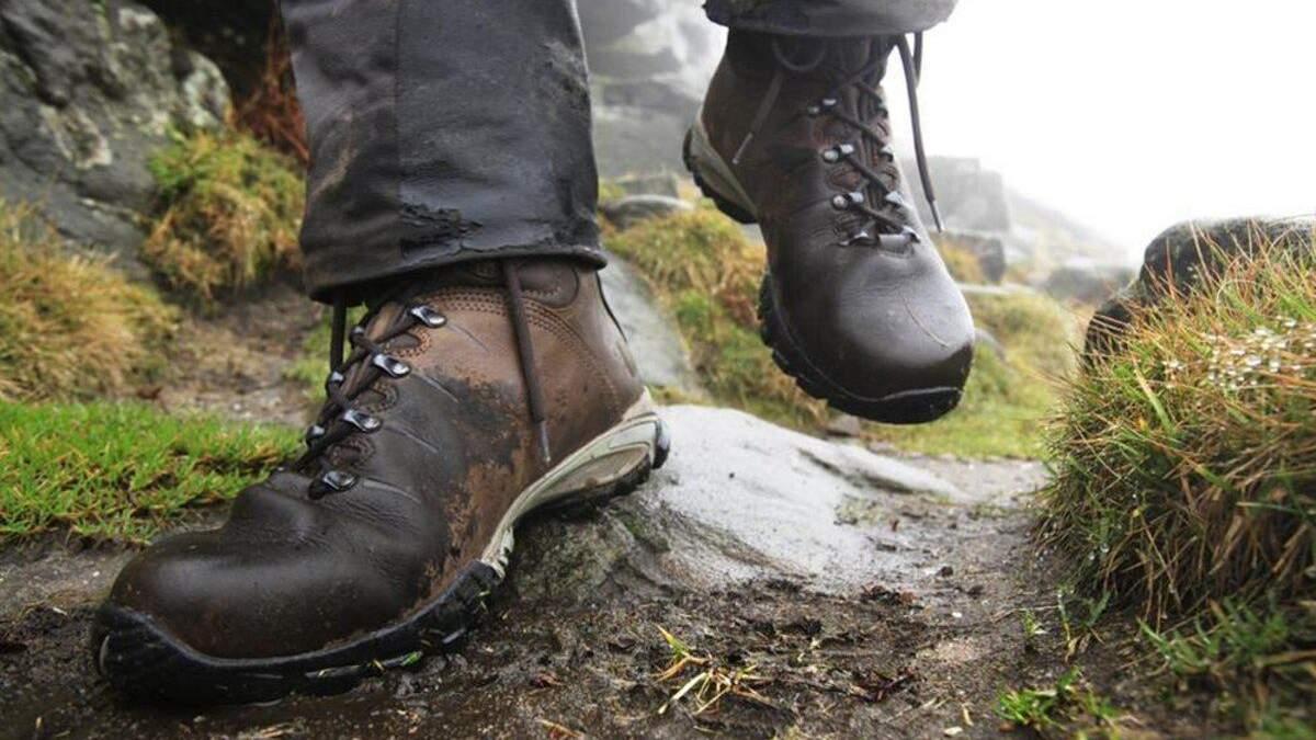 Як висушити взуття в поході