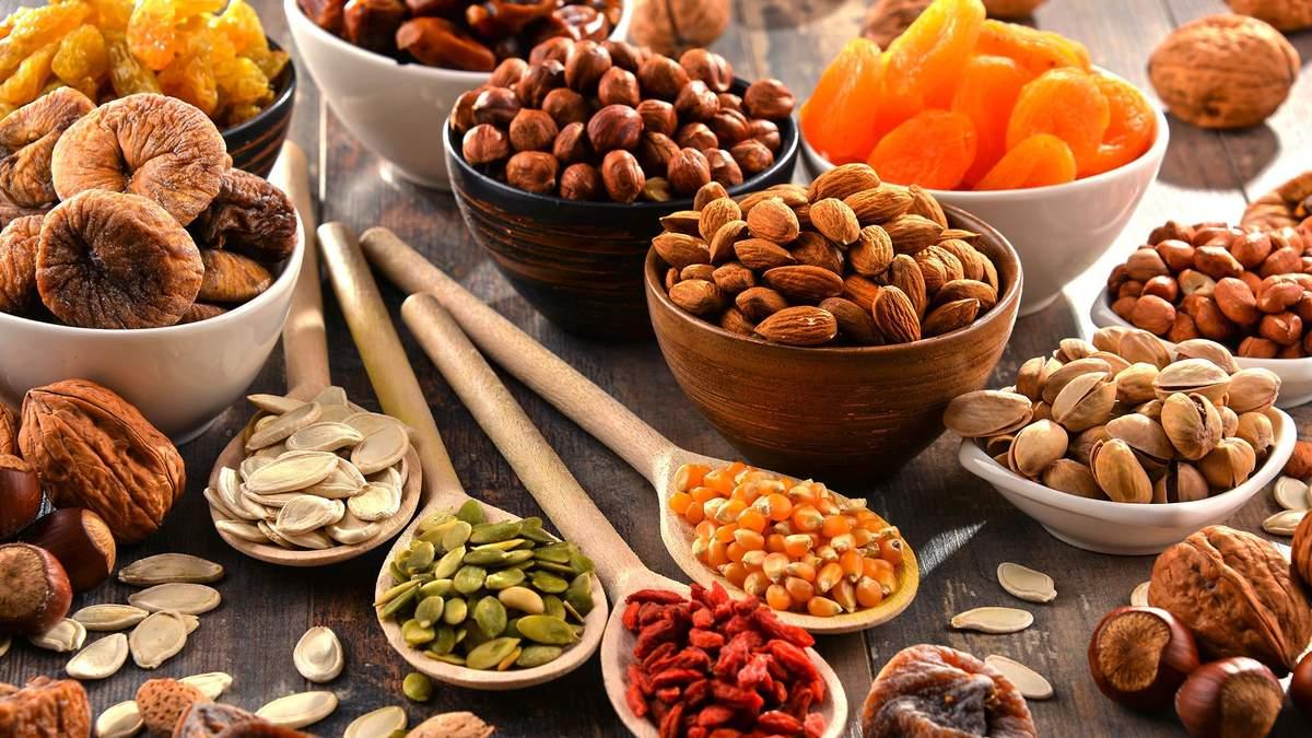 Фрукти чи сухофрукти: що корисніше під час схуднення