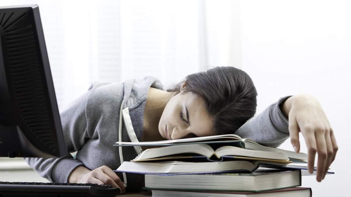 Хронічна втома: дієтологи назвали поширені причини