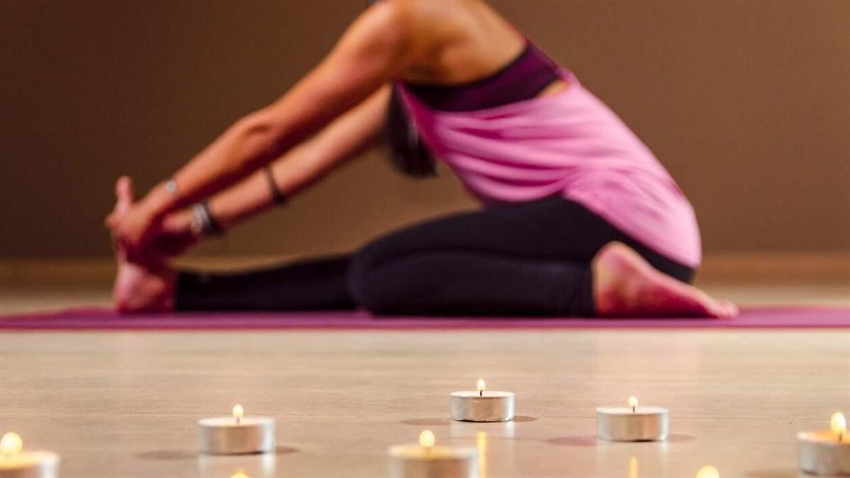 Як відновити режим сну після свят: вправи з йоги від безсоння