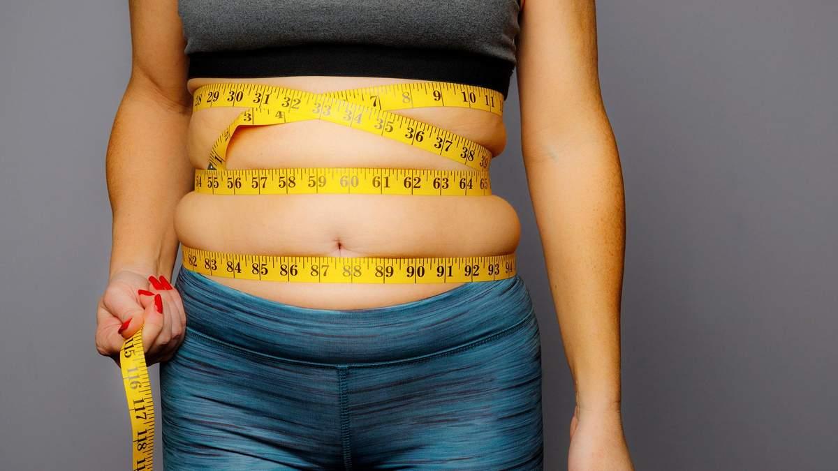 Як зменшити живіт на 2 см на 10 хвилин без спорту: відео способу