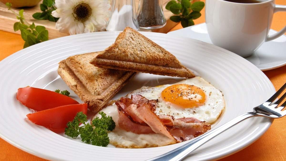 Яким має бути сніданок: просте пояснення від нутриціологині