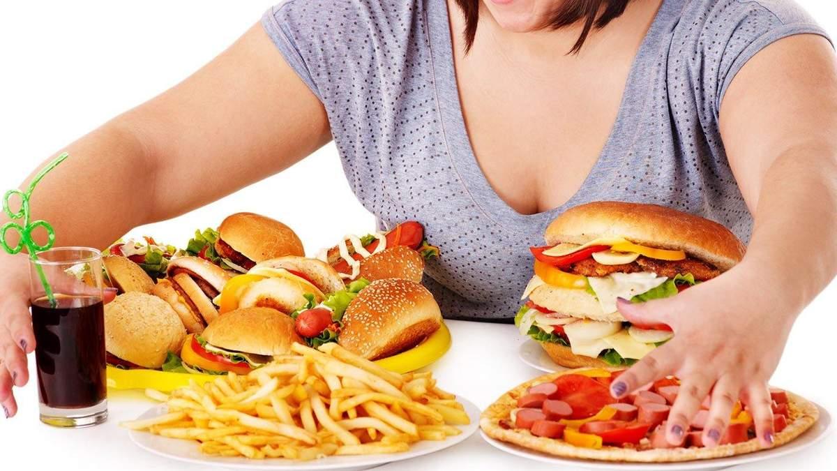 Переїдання у вечірній час: названі основні причини