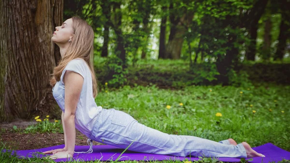 Як прибрати живіт: прості вправи з йоги для формування талії
