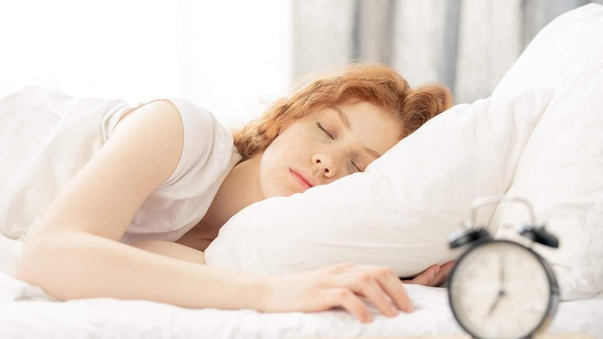 Дієта при безсонні: як їжа впливає на якість сну – пояснення дієтолога