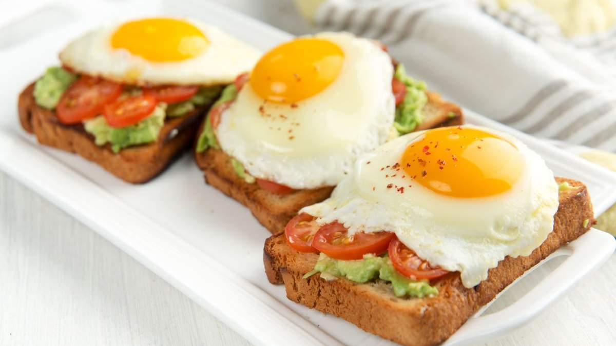 Які продукти не можна їсти на голодний шлунок: ТОП-9
