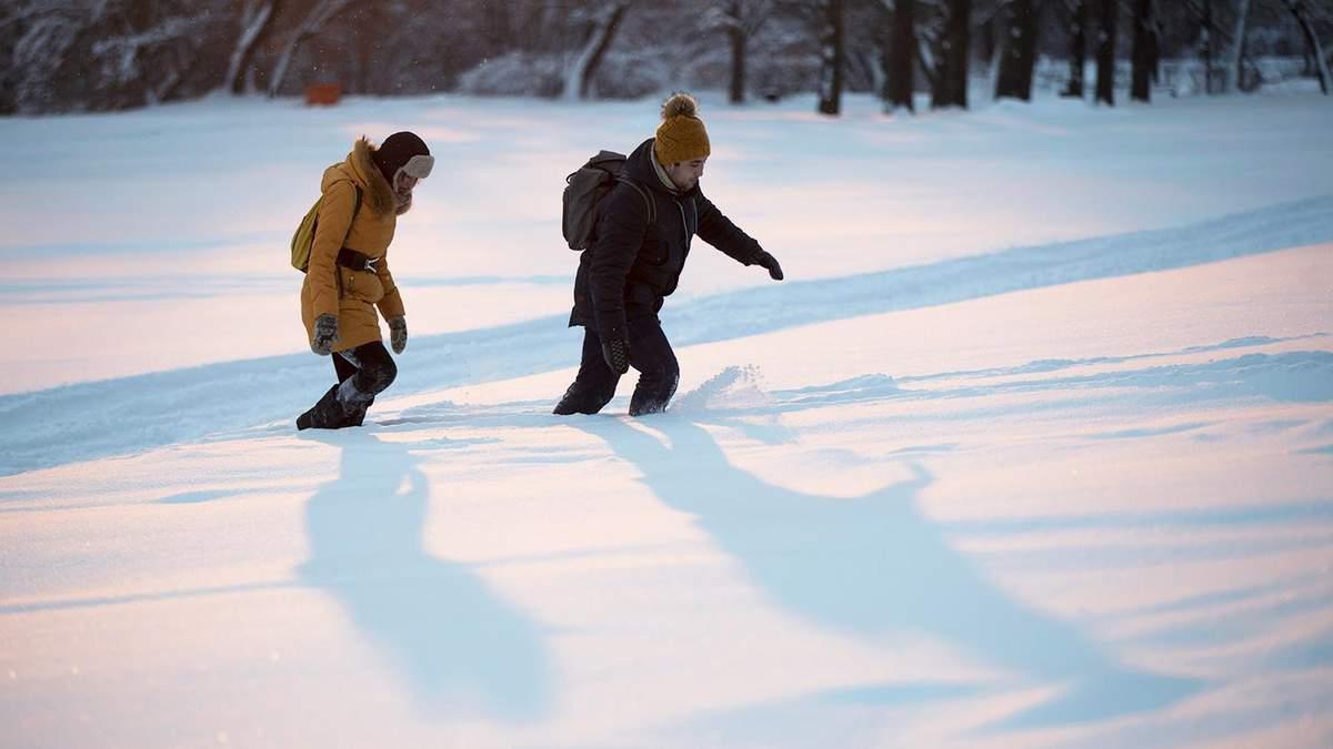 Як не замерзнути взимку на прогулянці: поради від лікарів