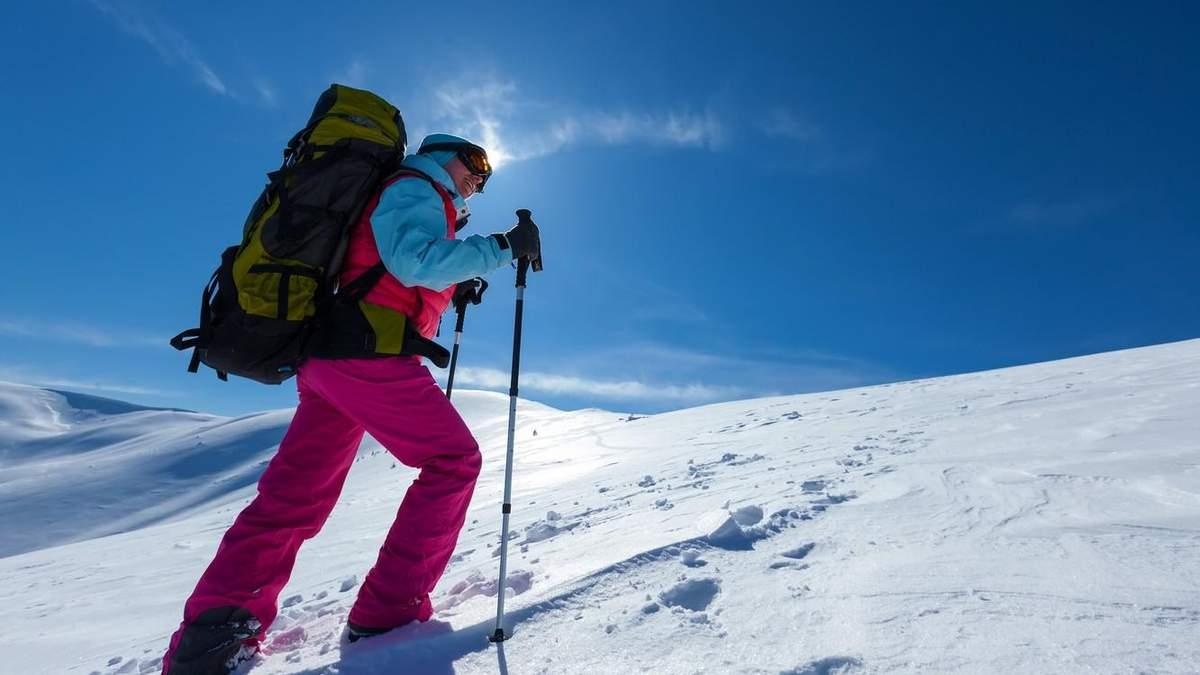 Похід в Карпати взимку: який одяг і спорядження потрібні