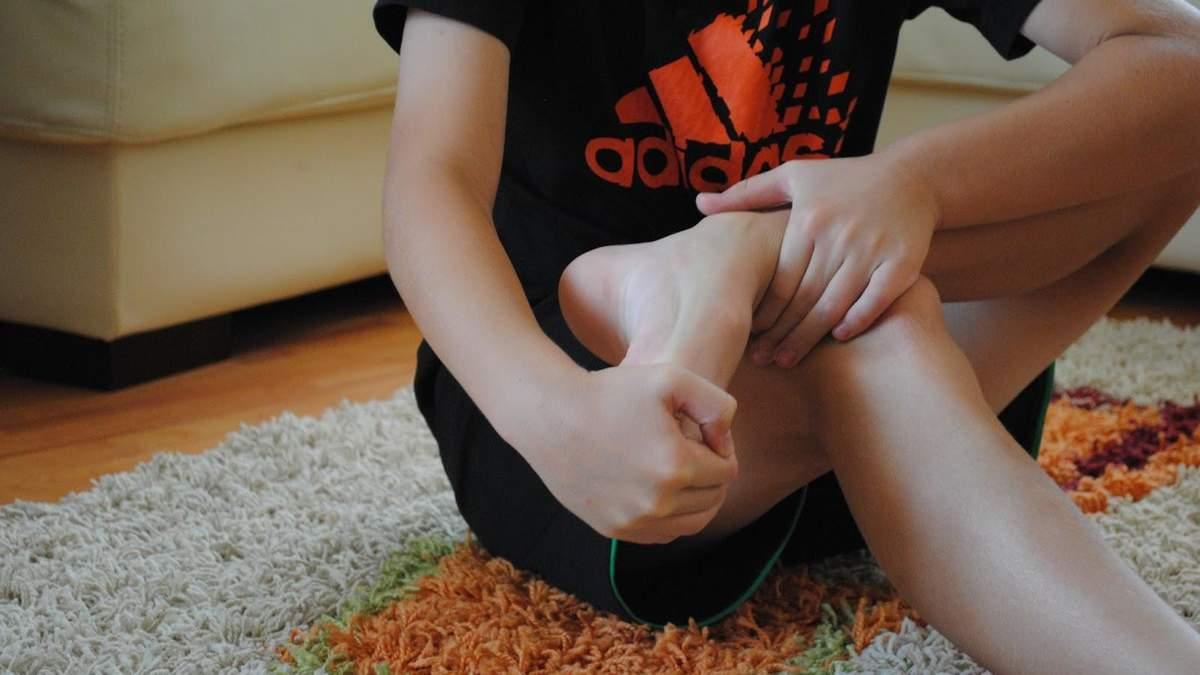 Как размять стопы: простое упражнение для стоп с мячом