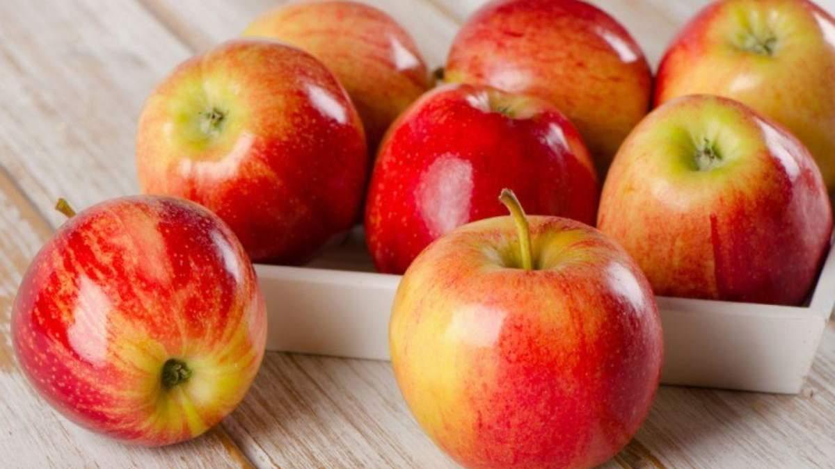 Чому після яблук хочеться їсти: нутриціологиня назвала причину