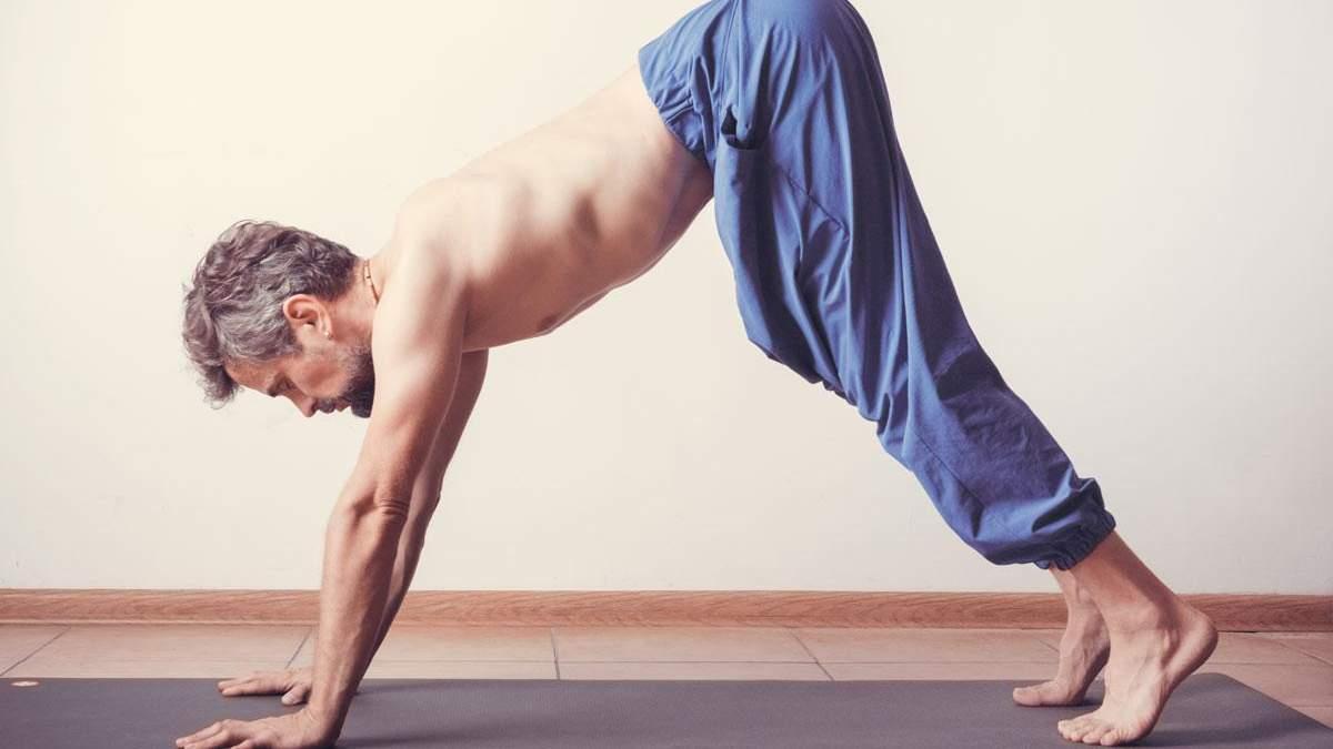 Упражнение для позвоночника: совет, как растянуть спину