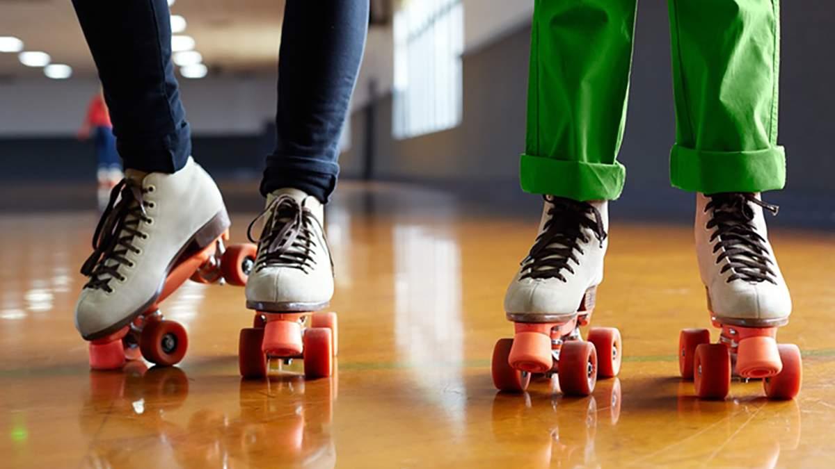 Кататься на роликовых коньках становится популярно