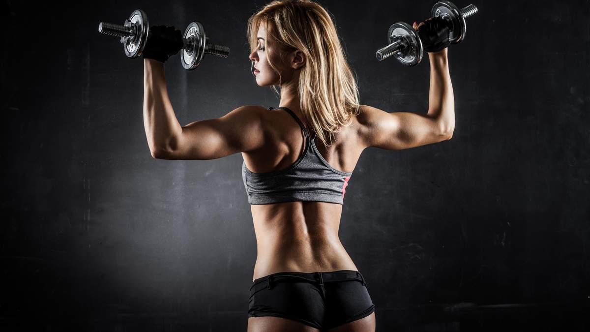 Приводим в порядок верхнюю часть тела: видео крутой тренировки дома