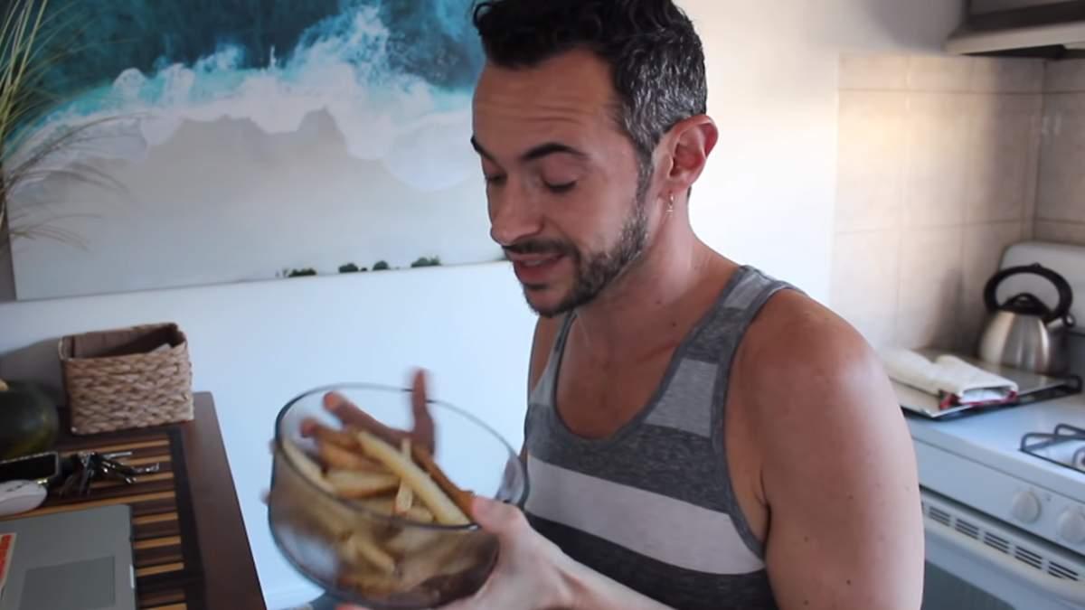 Блогер Роб Рівера показав, що буде, якщо тиждень їсти лише картоплю