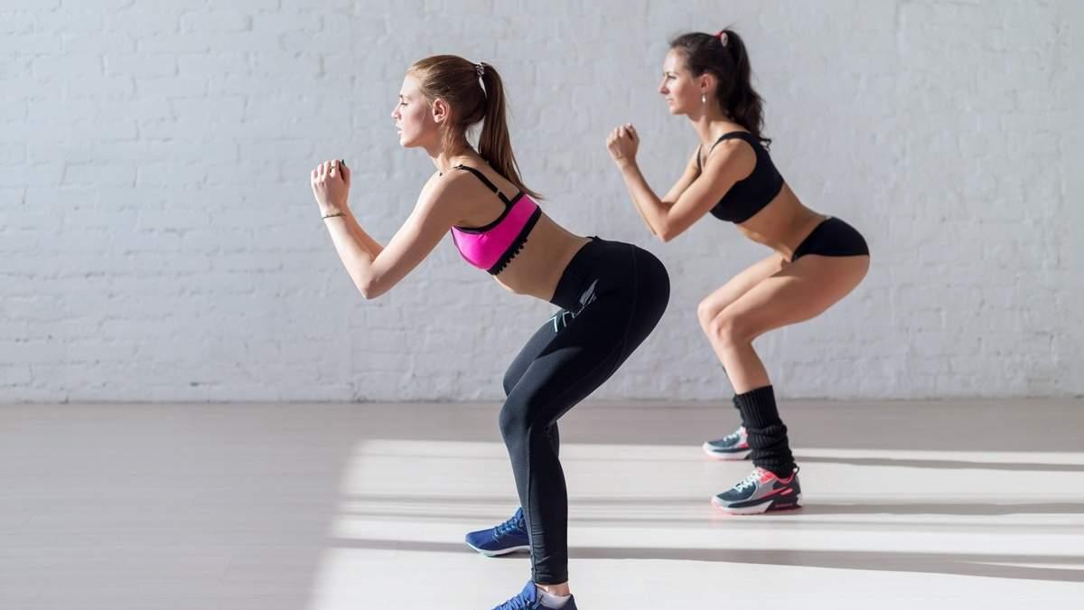 Пружні сідниці: майстриня спорту показала ТОП-10 вправ для дому та залу