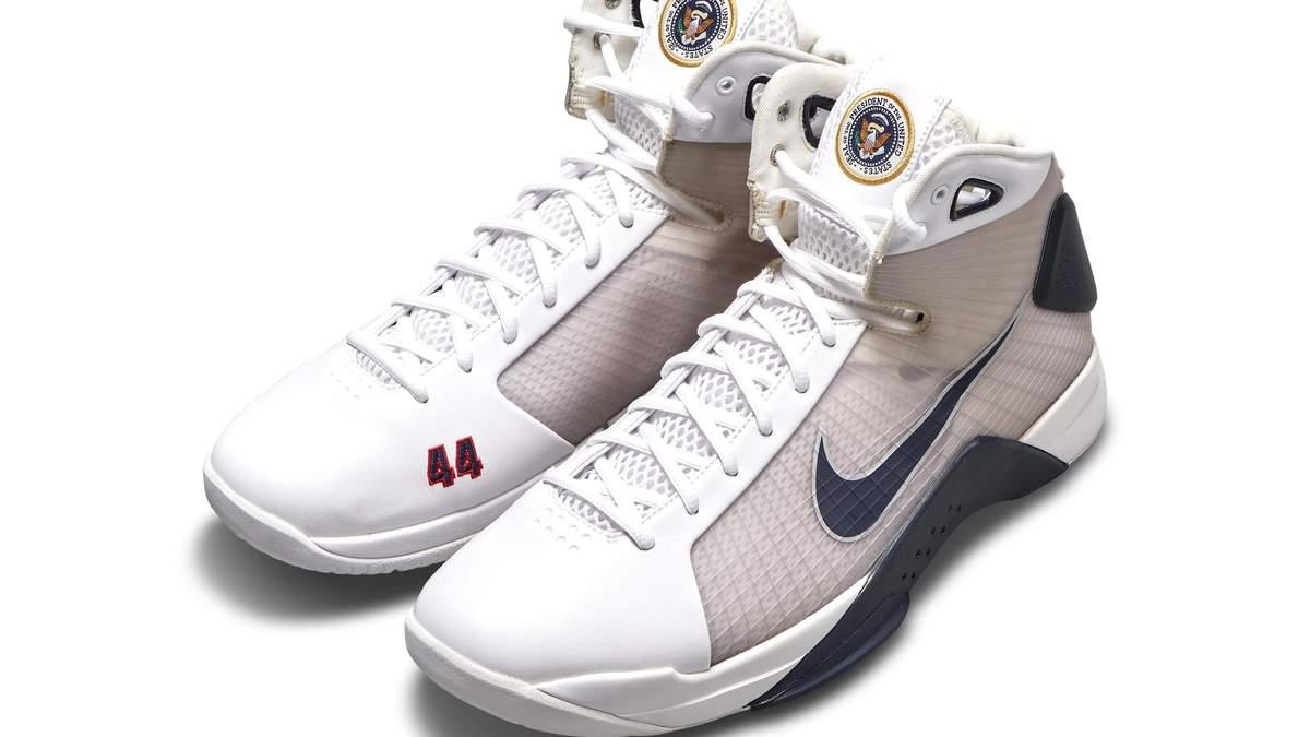 С молотка пустят кроссовки, созданные специально для Барака Обамы: фото