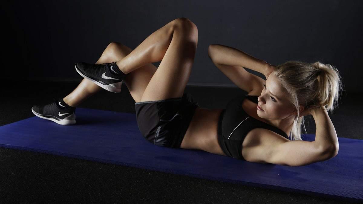 Як тренуватися у домашніх умовах без спортивного інвентарю: відео