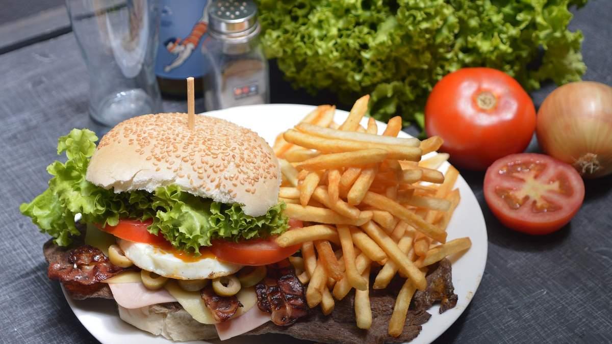 Чому трапляються зриви при схудненні: 2 головних причини