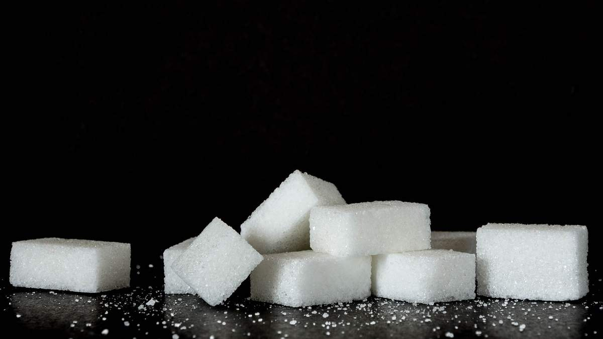 Чем заменить сахар в рационе: лучшие варианты от известного тренера