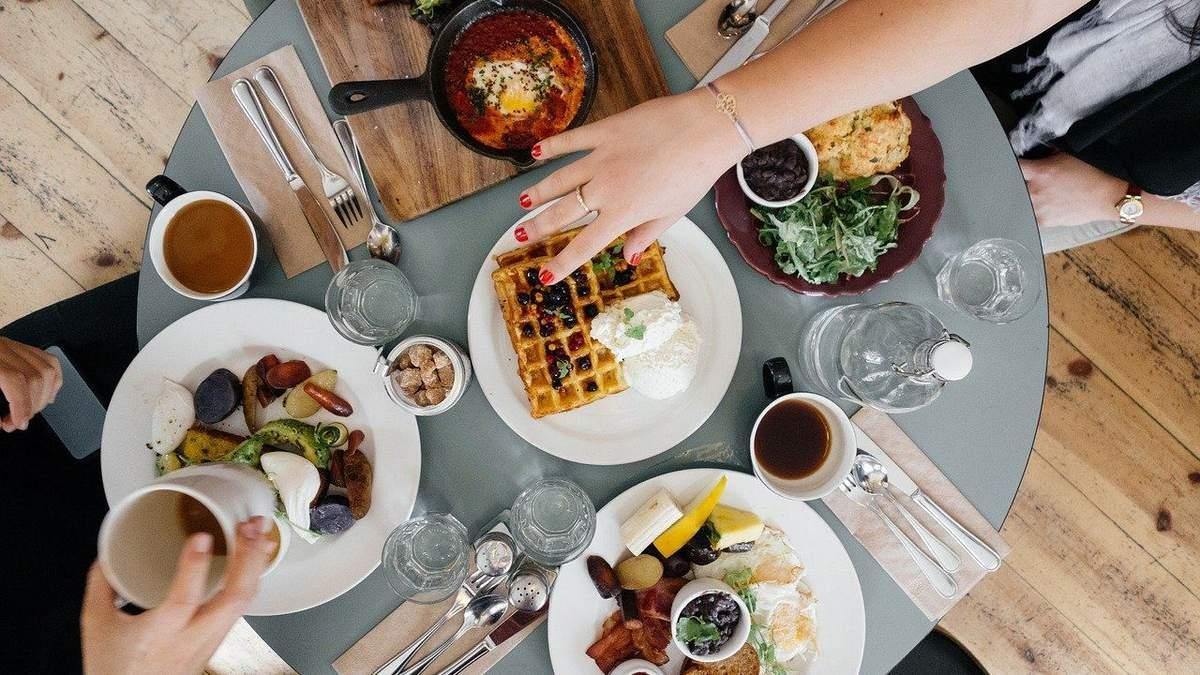 Що їсти на сніданок: конкретні приклади від дієтологині