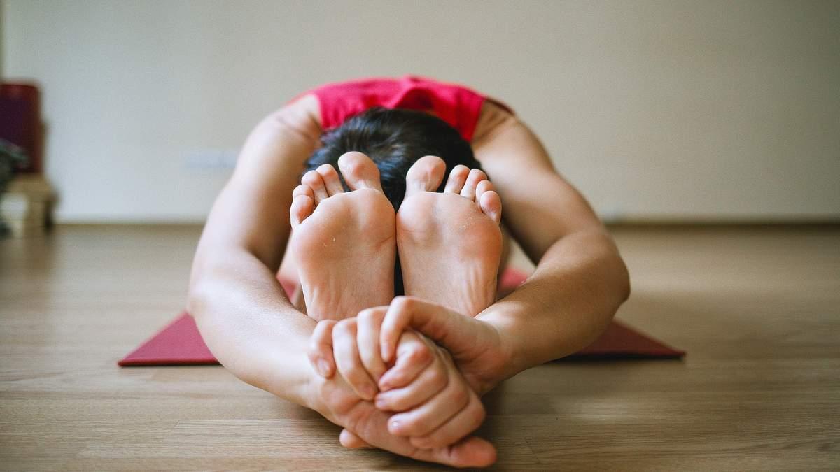 Как расслабить спину после трудового дня: комплекс для тех, у кого сидячая работа
