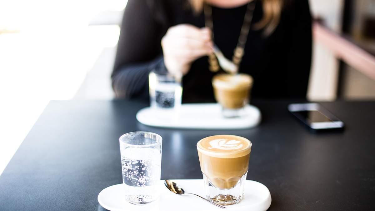 Чи можна пити каву при схудненні: Фус назвала ризики та наслідки