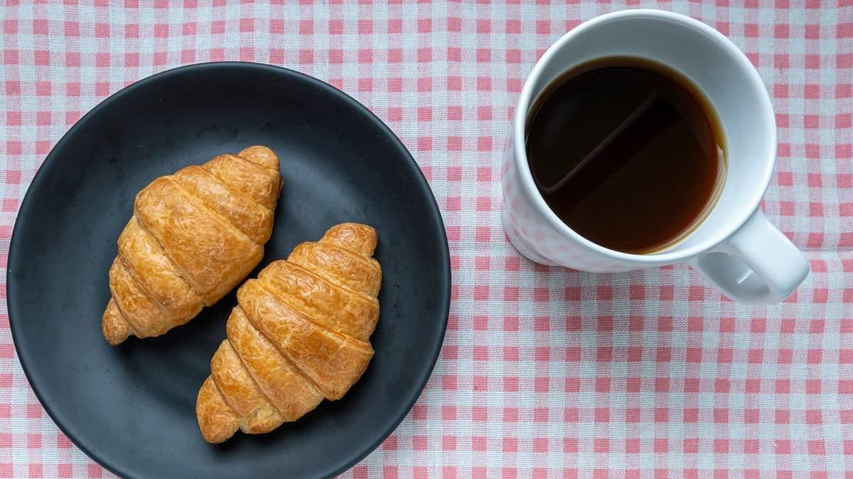 Що не можна їсти на сніданок: дієтологиня зруйнувала популярні міфи