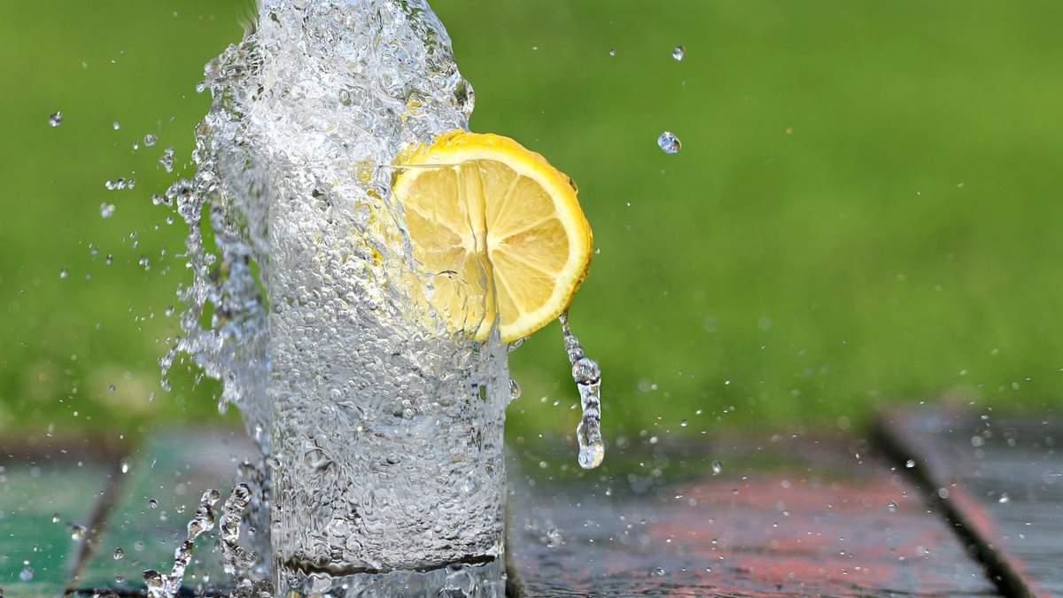 Як правильно пити воду: головне правило, яке потрібно врахувати