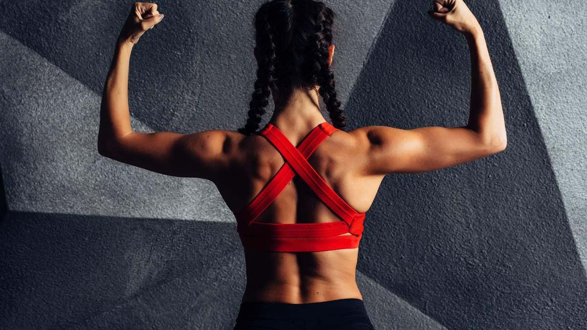 Як підтягнути груди і руки: відео дієвих вправ для тренування вдома