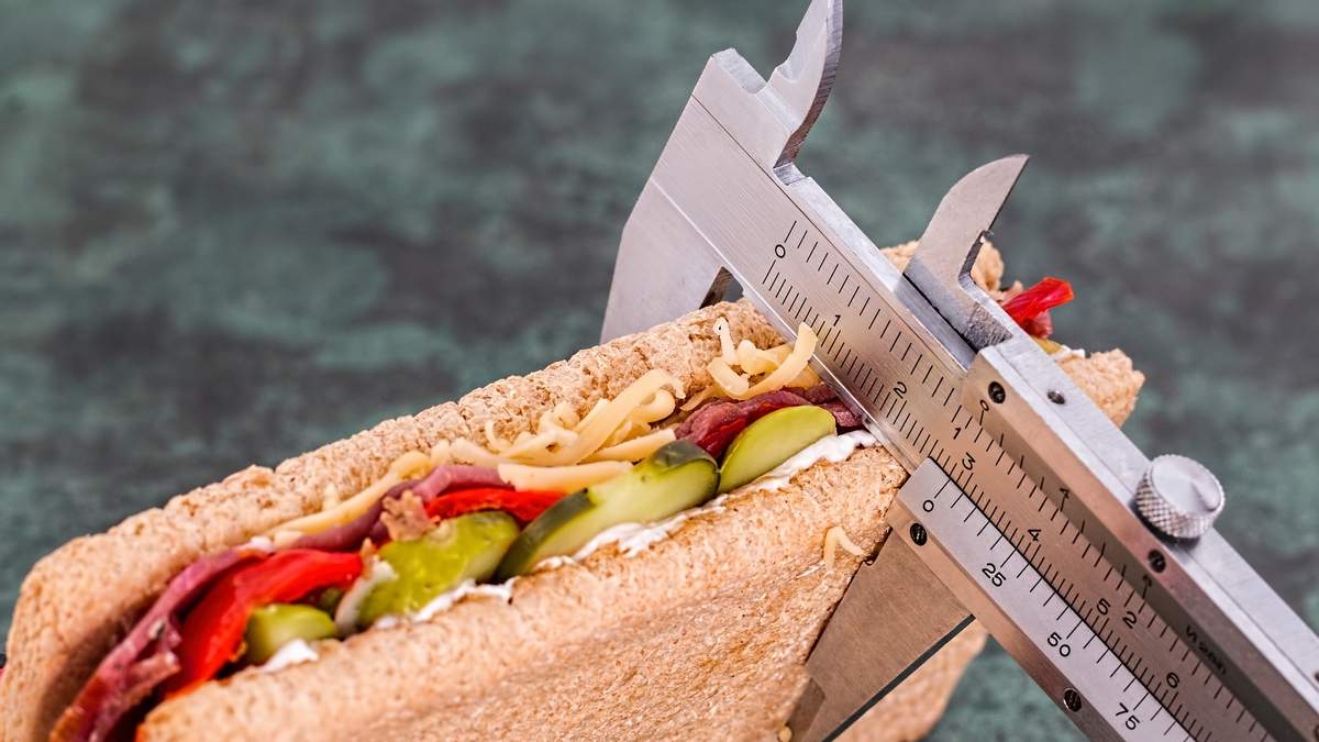 Як схуднути, не змінюючи харчування: названо основні принципи