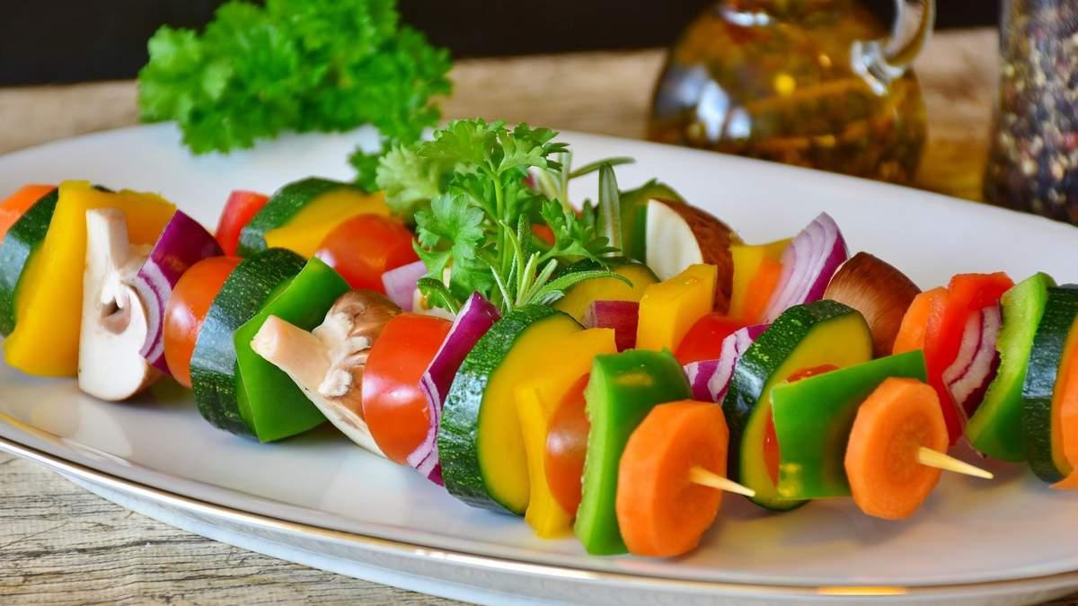 Овочева тарілка: що в ній має бути - поради та приклади дієтологині