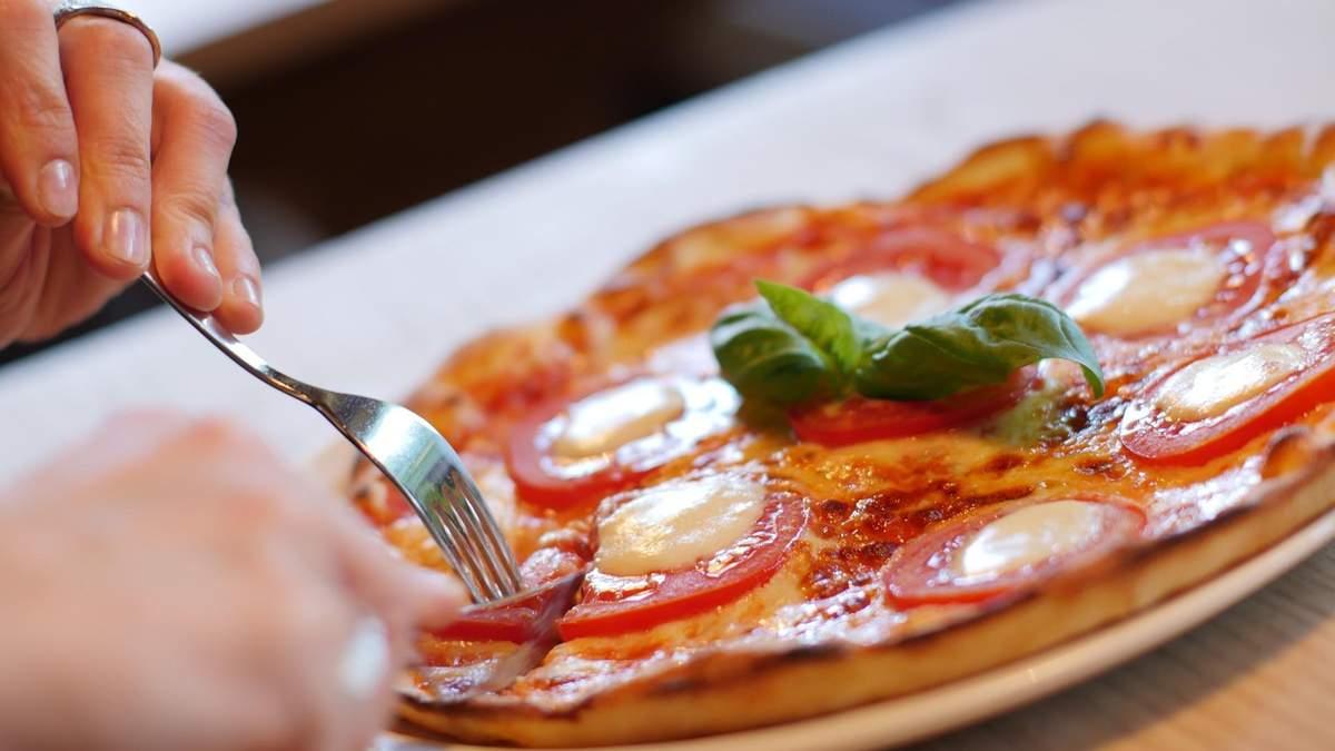 Как не переедать на ужин: 4 совета, которые помогут быть стройной