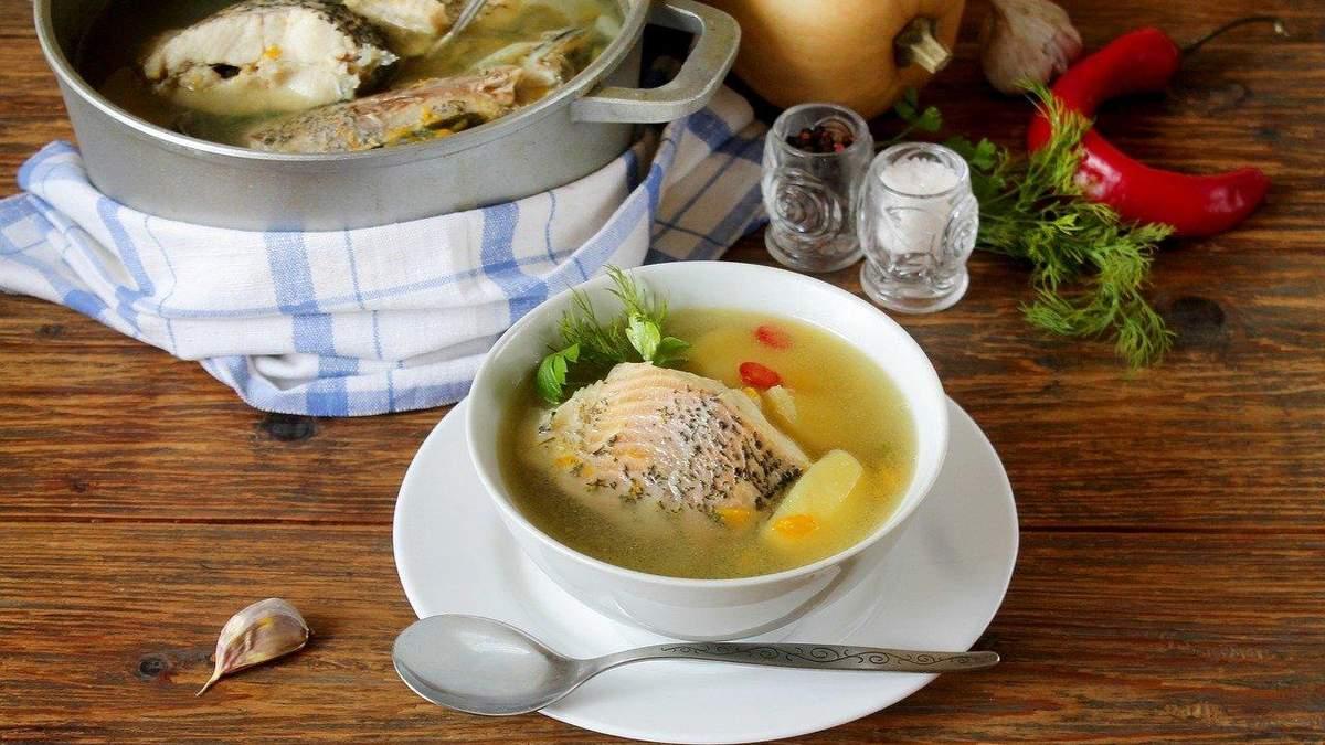 Рибний суп з квасолею: дієтологиня поділилася пісним та корисним рецептом