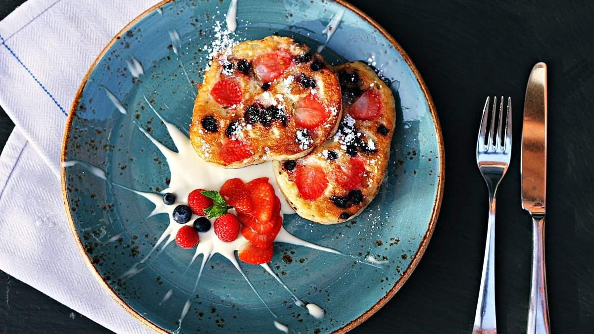 Диетические оладьи на кефире: рецепт вкусного завтрака с яблоками