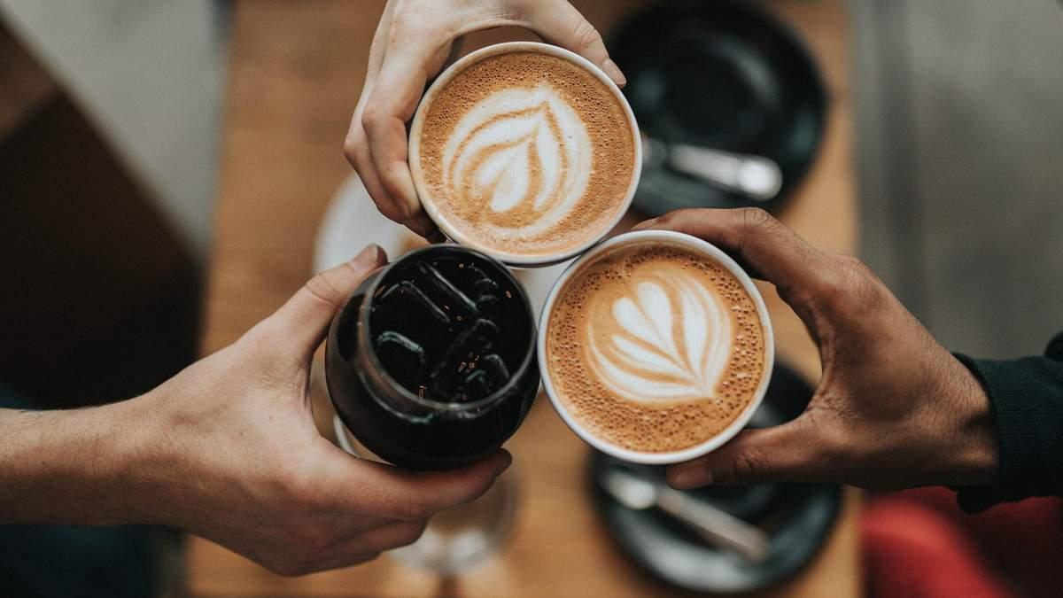Яку каву можна пити на дієті, а від якої – краще відмовитися