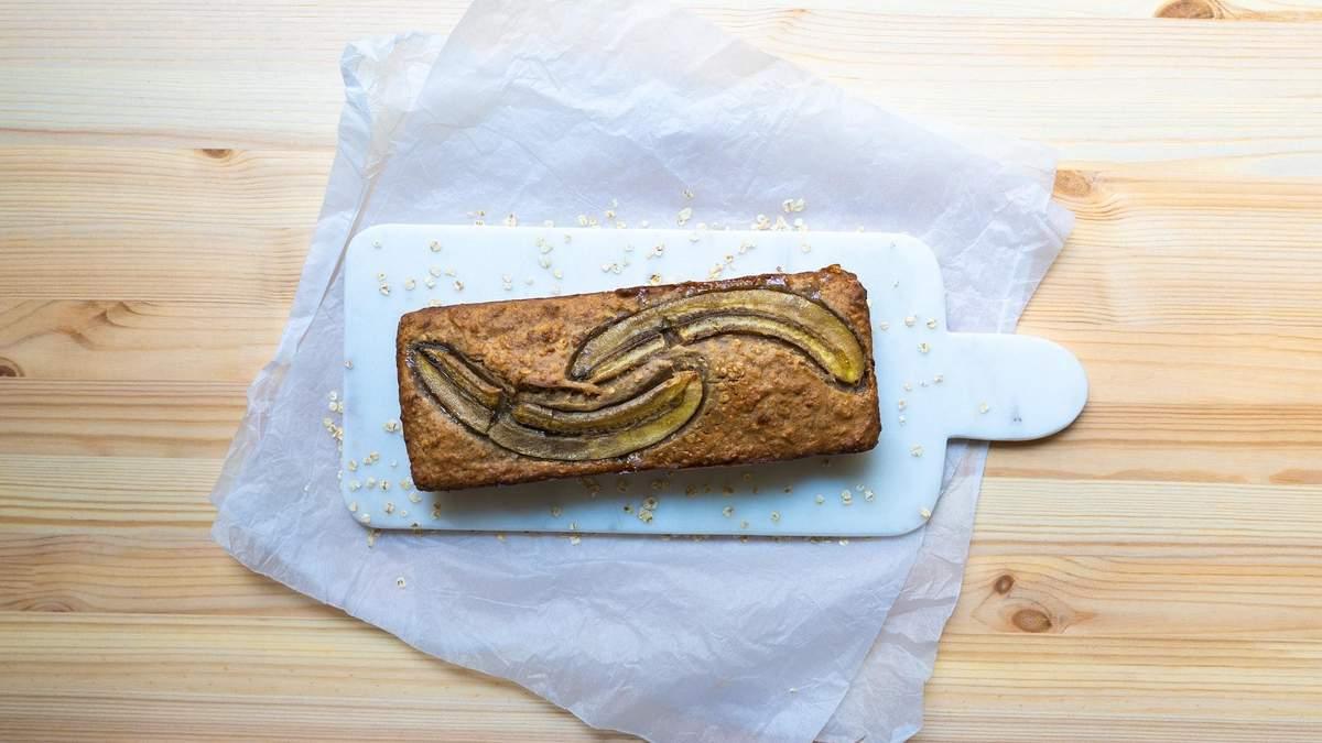 Низкокалорийный банановый кекс: рецепт на скорую руку от диетолога