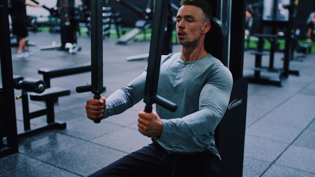 Кругове тренування у тренажерному залі: 5 вправ на все тіло – відео