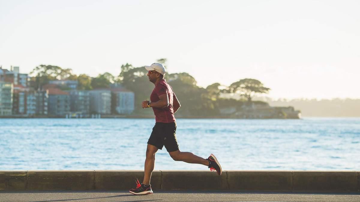 Кардіо на березі моря: тренування, яке підійде на період відпустки