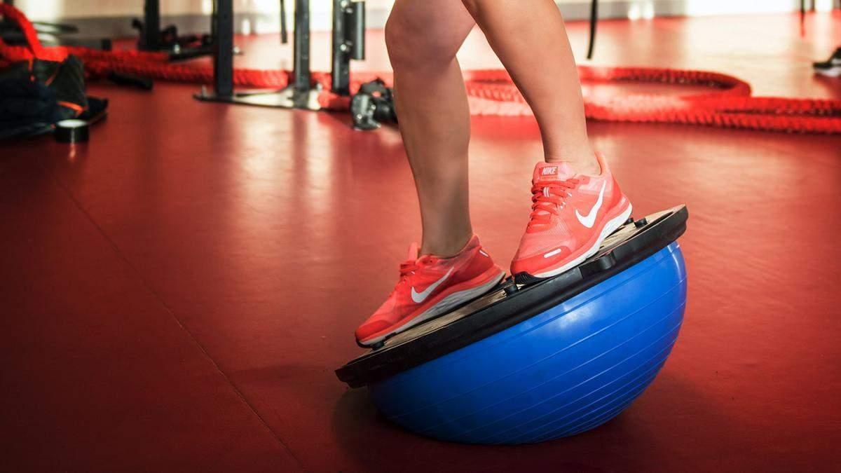 Жиросжигающая тренировка на полусфере: как выполнять упражнения – видео