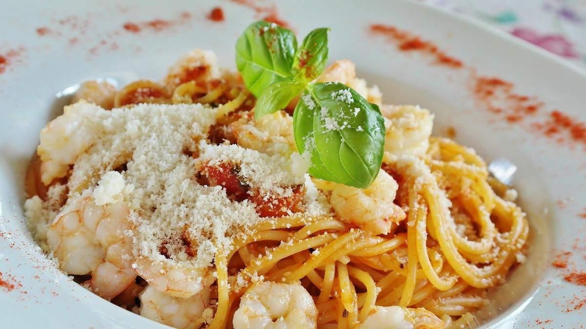 Як смачно їсти й худнути: варіант меню на день, який дозволить бути стрункою