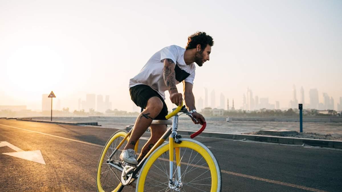 Велопрогулянка та робота в саду: рейтинг літніх активностей, які найкраще спалюють калорії