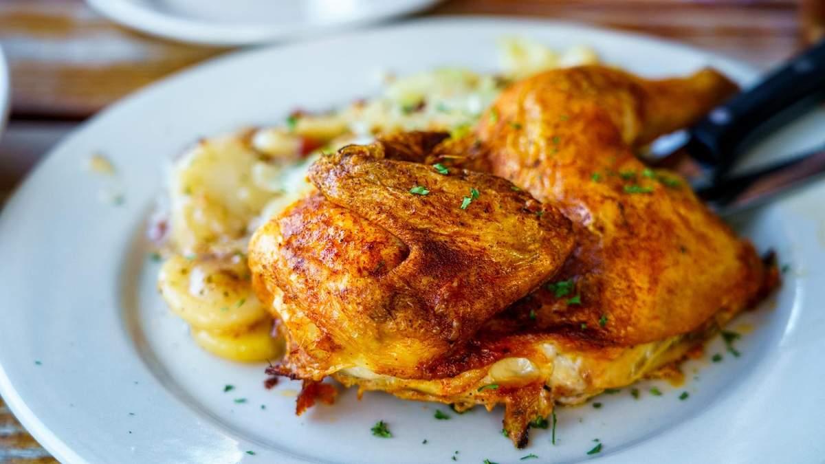 Як запекти курку у медово-гірчичному соусі з апельсинами